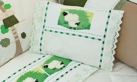 Овечки на постельном белье в детской комнате