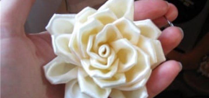 Подробный мастер-класс по созданию розы из атласной ленты