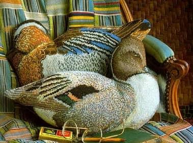 Подушки с вышивкой УТОЧКИ