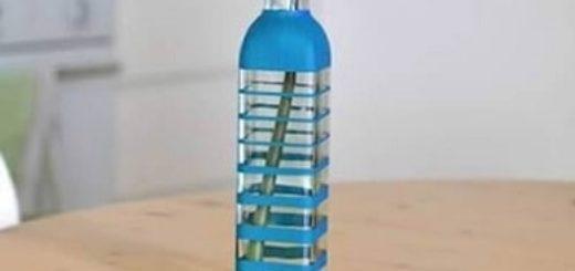 Оригинальная вазочка из стеклянной бутылки