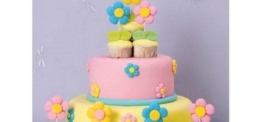 Марципановый торт и цветочные кексы