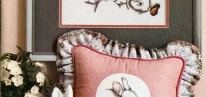 Панно и подушка с кроликами