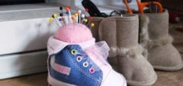 Игольница из детского ботиночка