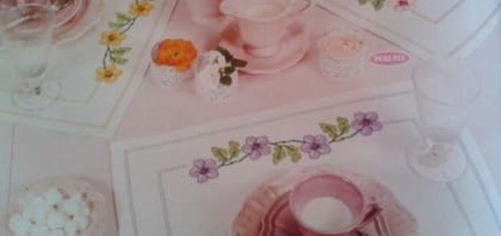 Схемы цветочной вышивки крестом для салфеток и скатерти