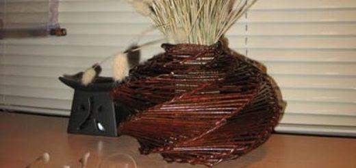 Спиральное плетение из газетных трубочек