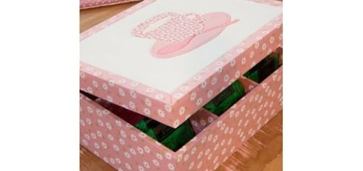 Декорирование коробочки при помощи пенопласта и ткани