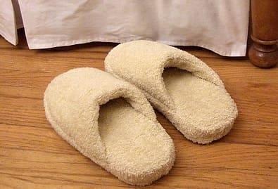 Как сшить теплые мягкие спа-тапочки из полотенца