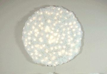 Креативный настенный светильник из кофейных фильтров