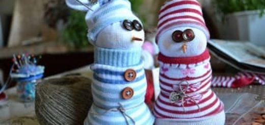 Новогодние снеговики из носков. Мастер-класс