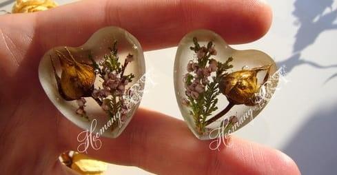 Кулончики сердечки из эпоксидной смолы. Мастер-класс