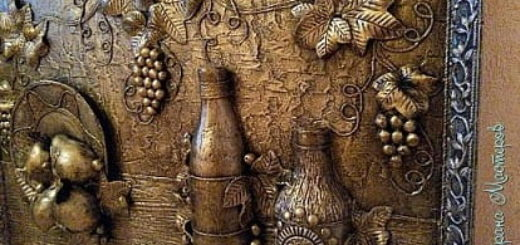 Фрукты, бутылки и виноград. Панно из папье-маше