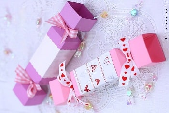 КОНФЕТЫ - подарочная упаковка из бумаги