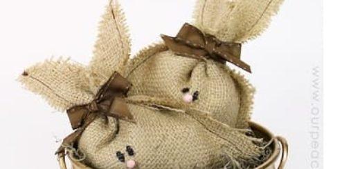 Пасхальные кролики из мешковины