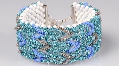 Ментоловый браслет из бисера. Схемы плетения