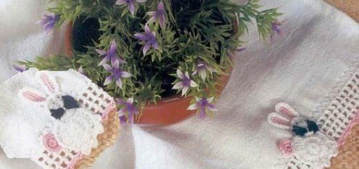 Декорирование полотенца обвязкой с кроликами крючком