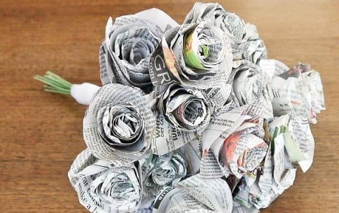 Как из газет сделать букет цветов