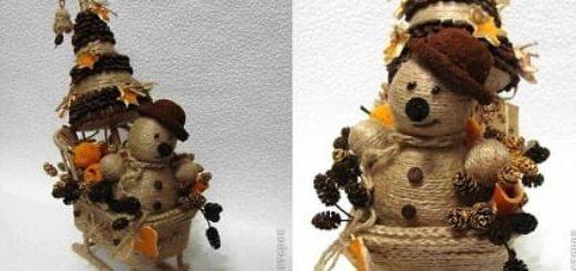 Санки, снеговик и елочка из джута и кофейных зерен