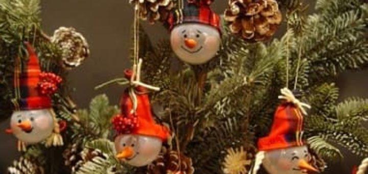 Снеговики из перегоревших лампочек. Мастер-класс
