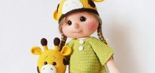 Вязаная куколка Зоя с жирафом. Описание