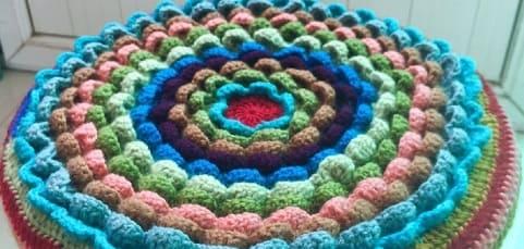 Сидушка «Цветок» крючком для круглого стула