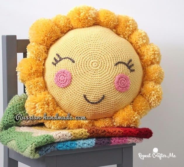 Крючком. Детская подушка «Солнышко» (1)