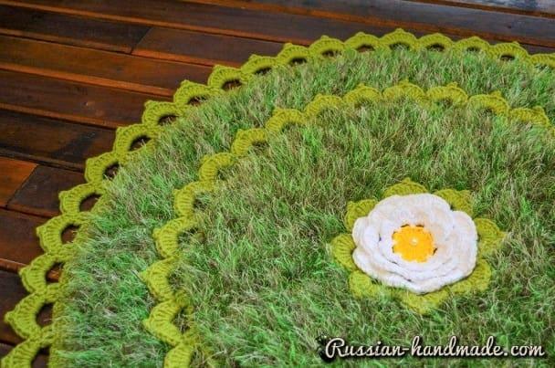 Круглый коврик из пряжи травка (2)