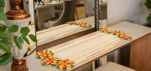 Салфетка-дорожка с цветами крючком (2)