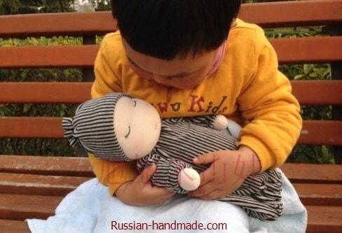 Вальдорфская кукла. Как сшить младенца-сплюшку (1)