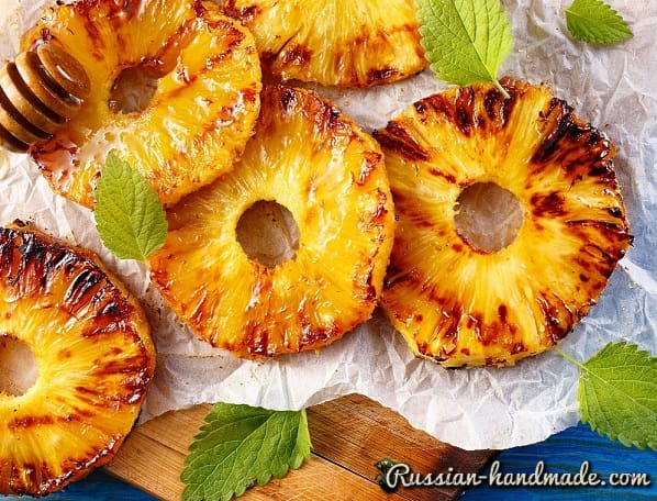 Глазированный ананас с ромом