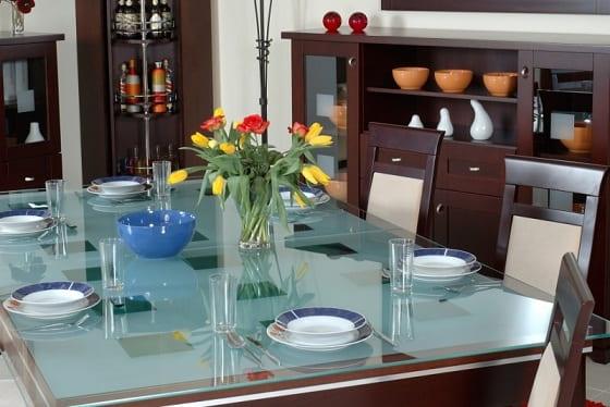 Особенности ухода за стеклянной мебелью (3)