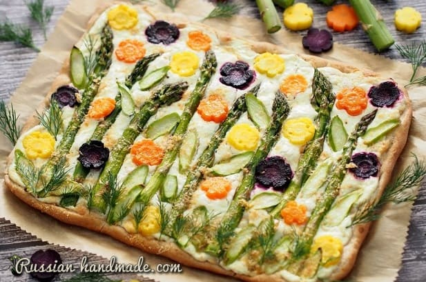 Дрожжевой пирог со спаржей и овощами (2)