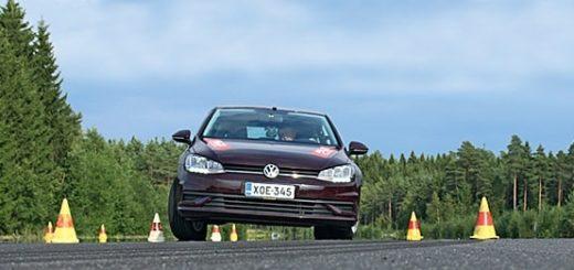 Почему опасно ездить на автомобиле с лысыми шинами (1)