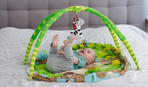 Что нужно учитывать при выборе первых детских игрушек (1)