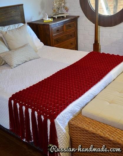 Дорожка на кровать крючком (3)
