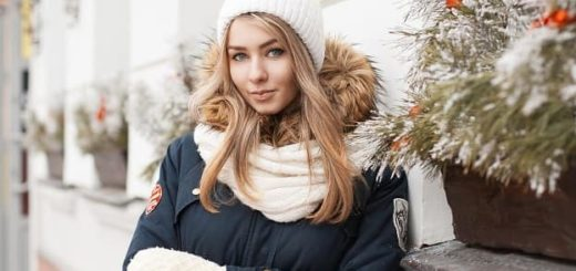 На что в первую очередь обращать внимание при выборе женских шапок и шарфов