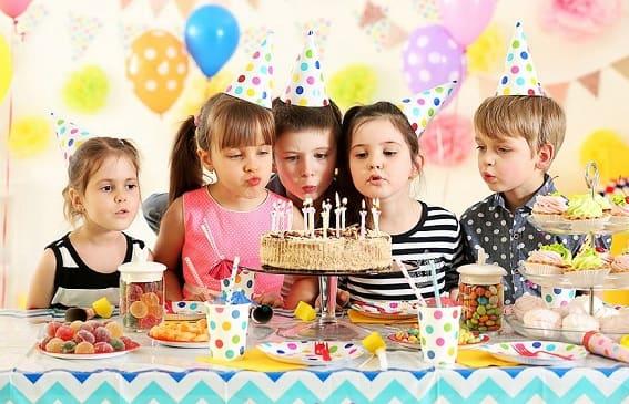 Как оформить праздничный стол на детский день рождения (1)