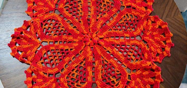 Декоративная салфетка «Цветок» крючком (1)