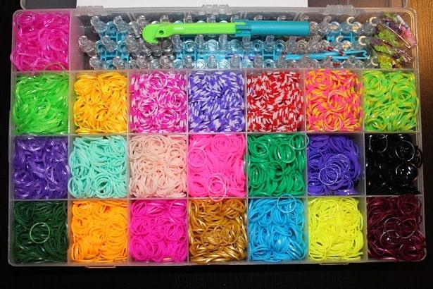 Большой ассортимент наборов для плетения из резиночек в интернет-магазине MrHappy.ru (2)